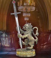 Gryffindor Letter Opener /& Stand Authentic Noble Collection Harry Potter
