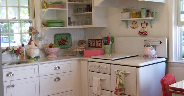 Vintage Style Kitchen Of Linda Hundt Owner Of Sweetie