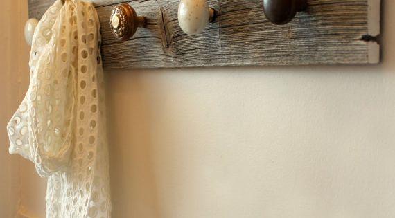 Porte manteau bois de grange et pi ces de par redoreuses sur etsy d co maison pinterest - Porte manteau maison ...