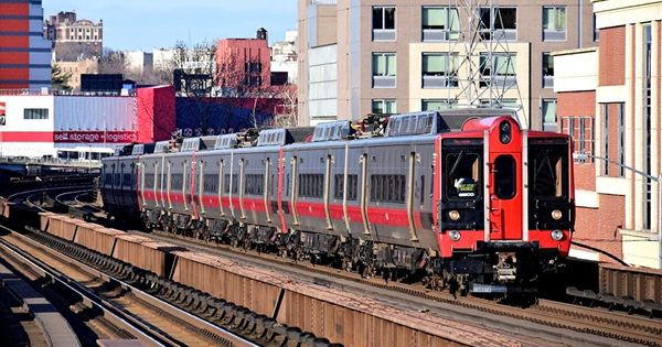 Mncr 9501 Metro North Railroad Kawasaki M8 Emu At Manhattan New York Usa New York By Daniel Jakobie Metro North Railroad Long Island Railroad Commuter Train