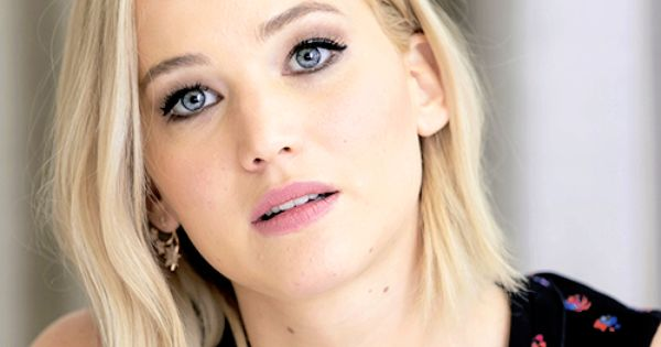 Jennifer Lawrence at the Mockingjay: Part 2 Berlin Press ...
