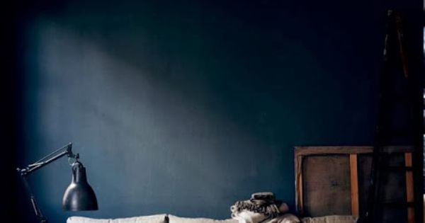 mur bleu nuit pinterest nat et nature peinture. Black Bedroom Furniture Sets. Home Design Ideas