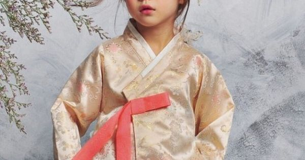Korean traditional traditional clothes and korean hanbok on pinterest