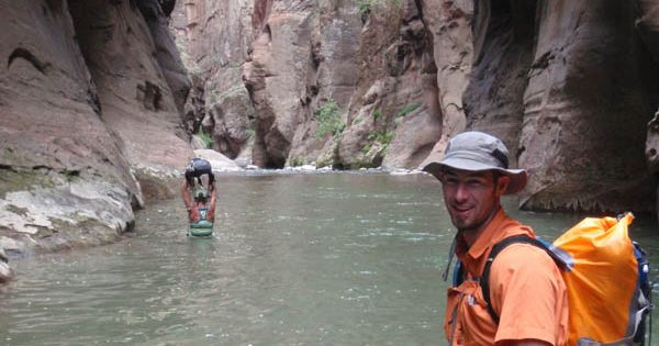 10 tips to hiking Zion's Narrows in a day