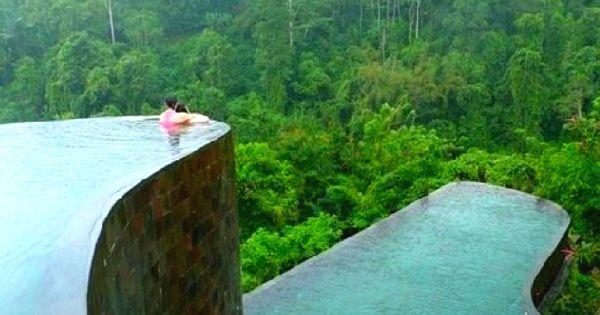Ubud Hanging Gardens hotel pool. In Bali, Indonesia.