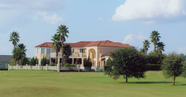 Landscaping An Exclusive Home On The Golf Course