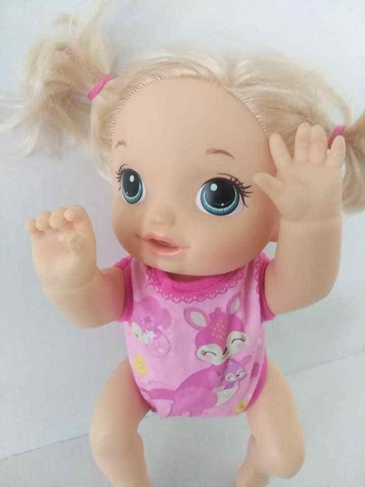Baby Alive 2016 Hasbro Baby Go Bye Bye Crawling Talking Blonde Blue Eyed Doll Hasbro Dollswithclothingaccessories Baby Alive Doll Carrier Baby Alive Dolls