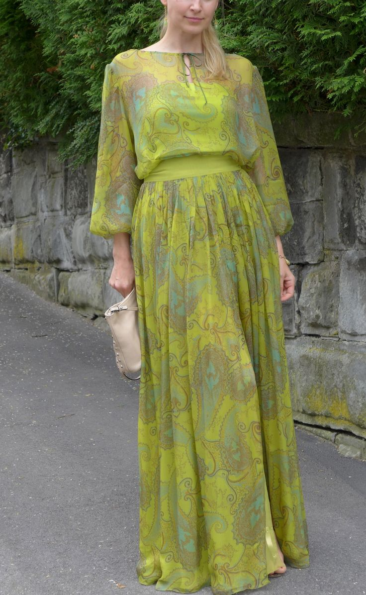 Зеленый шелк. Блуза и юбка / Oxxana / 27.09.2012 / Фотофорум BurdaStyle
