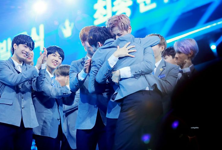PRODUCE 101 SEASON 2 FINAL  WANNA ONE DEBUT  © cr. on photo
