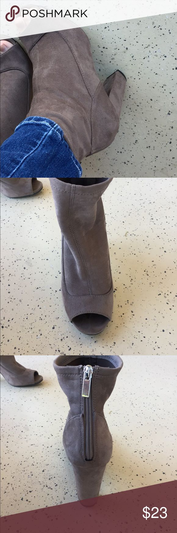 Open toe heel HOW CUTE ARE THEEEESE???? Super cute, I say. Size 8. Fits true to size! Soft suede material , grey color. Open toe, zip up in the back. Only worn 3 times!!! BAMBOO Shoes Ankle Boots & Booties