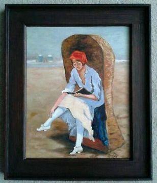 Zonnig strand - lezend meisje - zee - zomer - plezier !