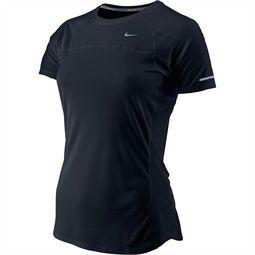 Ga lekker sporten met dit heerlijke #Nike dames running shirt. Door het Dri-Fit materiaal sluit het shirt perfect aan op jouw lichaam en voel je het haast niet zitten. Ideaal dus! | Achmea Health Centers