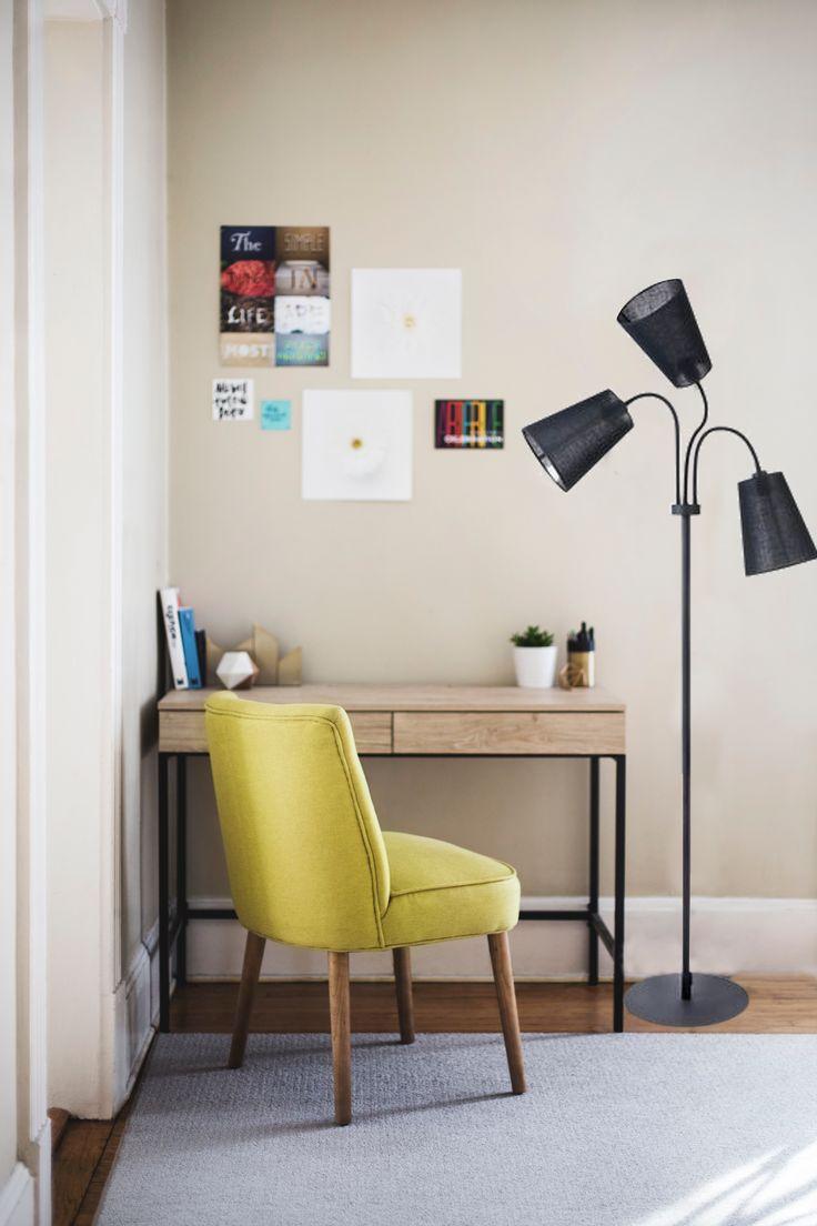 Nowodvorski Flex Shade, to lampa, która pozwoli ci oświetlić kilka stref, dzięki możliwości regulacji źródła światła, a dokładniej, jego kąta padania.