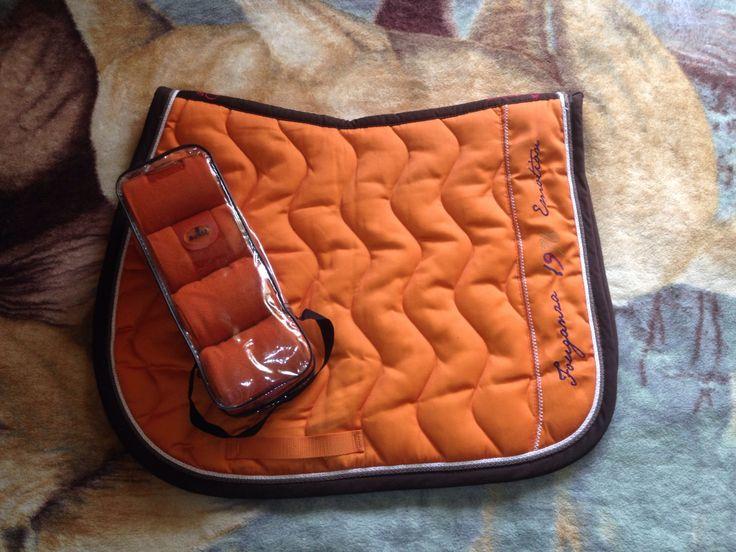Fouganza Orange Saddle Pad, Busse Bandages