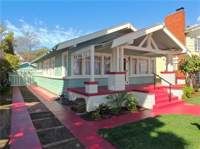 Long Beach California Craftsman Offers A Lot Of Space In Little Package