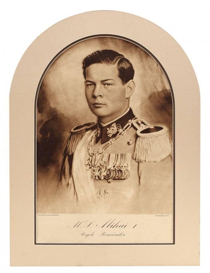 AN OFFICIAL PORTRAIT of HM King Michael I of Romania, during his second reign. This portrait was present in classrooms of all public schools. ROMANIANS ASK FOR THEIR MONARCHY BACK! https://plus.google.com/communities/104310617169797130747  —  PORTRET OFICIAL din timpul celei de-a doua domnii a MS Regelui Mihai I, care se găsea în toate sălile de învățământ ale școlilor din România. ROMÂNII ÎȘI VOR MONARHIA ÎNAPOI! https://plus.google.com/communities/104310617169797130747