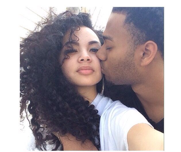 Dating a girl with natural curly hair