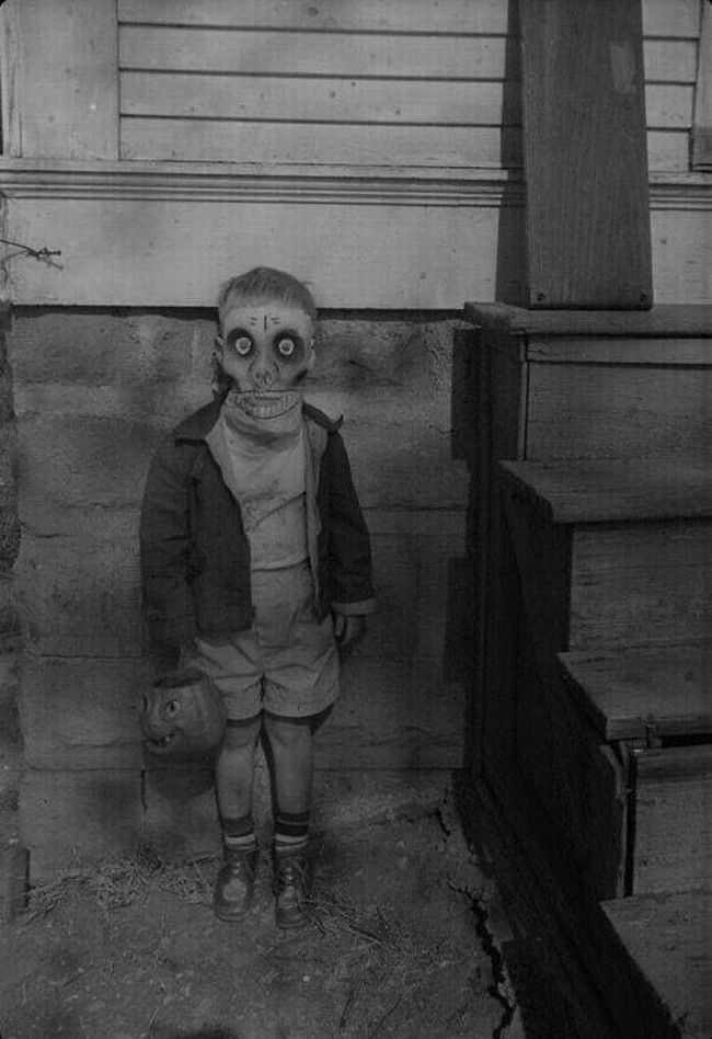 El miedo es una de las emociones más antiguas y poderosas de la humanidad, y el miedo más antiguo y poderoso es el temor a lo desconocido. H.P. Lovecraft