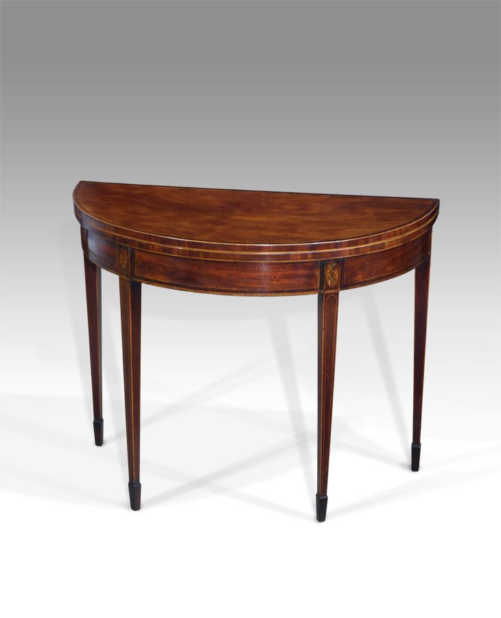 1000 images about things for the parlor on pinterest for Table th 00 02
