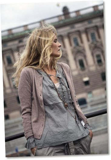 soft washed plum & misty grey, casual Soft Summer