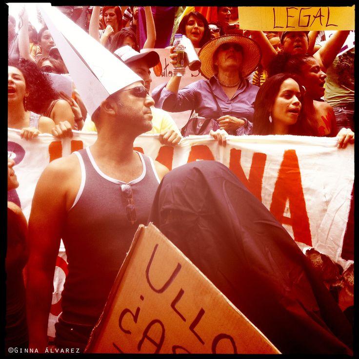 Protesta y Hombre que ama los Poliedros