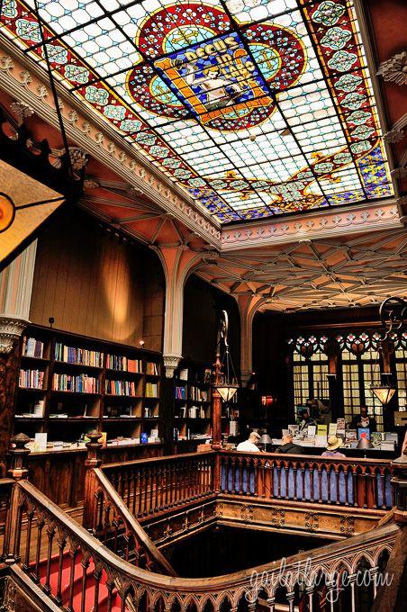 Livraria Lello & Irmão (Porto, Portugal) (2)