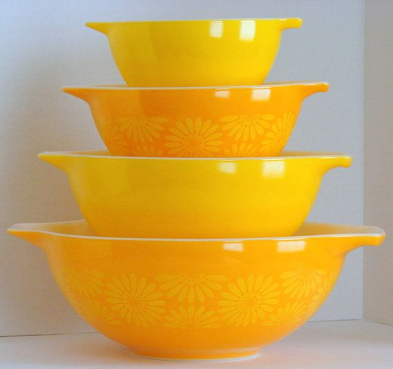 Vintage Pyrex Yellow Daisy Bowl Set...just bought the smaller 3 off Etsy...need to find the largest one now!