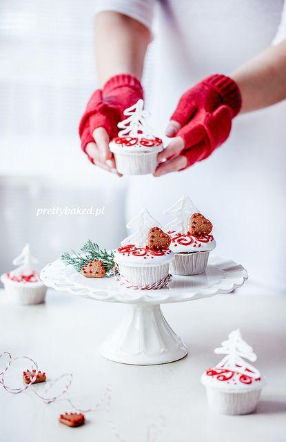Christmas tree vanilla cupcakes / http://prettybaked.pl / http://facebook.com/prettybakedpl