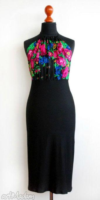 Czarna sukienka folk rozm. S-M. $55