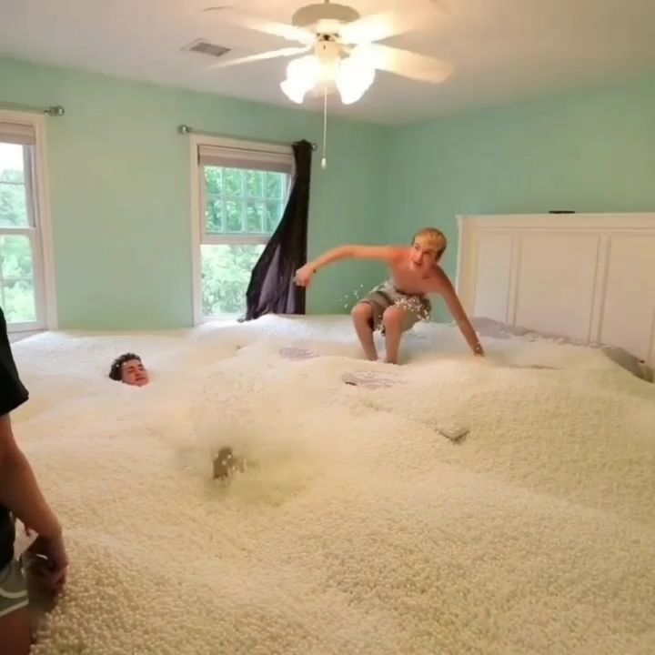 Entire room full of beanbag beads prank! | Tanner Braungardt | Via @worldsconection  No Copyright Infringement IntendedEmail (contact) us to fix/removal