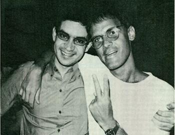 [É tão estranho, os bons morrem jovens...] Dois grandes poetas! Cazuza e Renato Russo