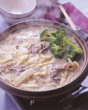 牛肉とブロッコリーの豆乳鍋うどん | 夏梅美智子さんのレシピ ...