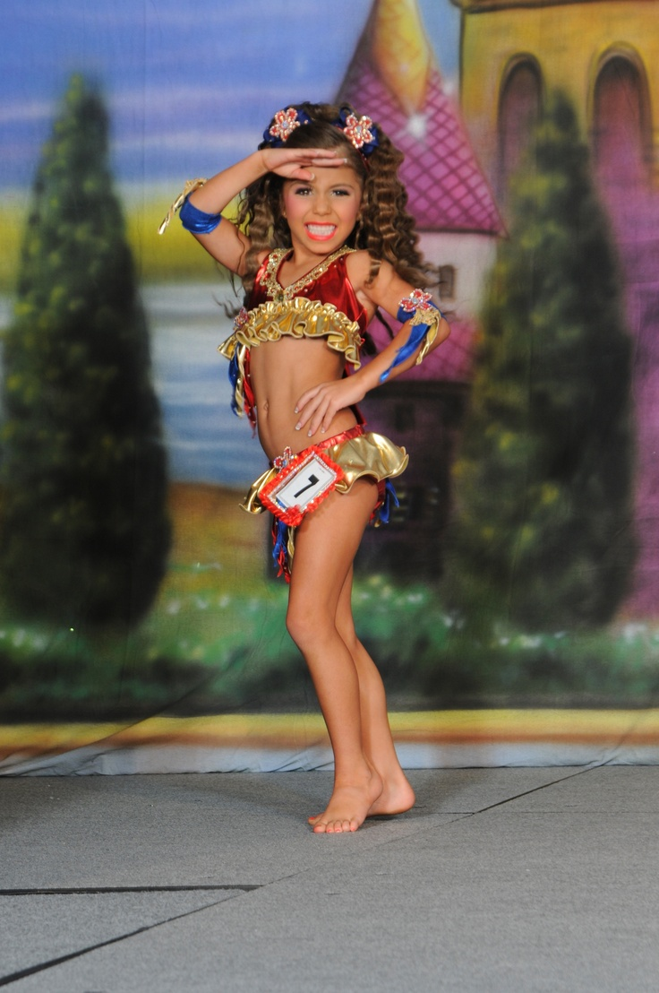petite-beauty-pageants-nasty-hot-bikini-mamas