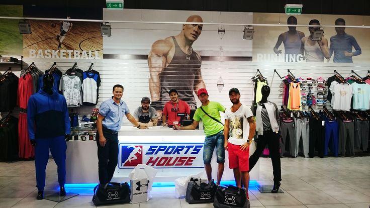 Sports House zabezpečí oblečenie značky Under Armour.