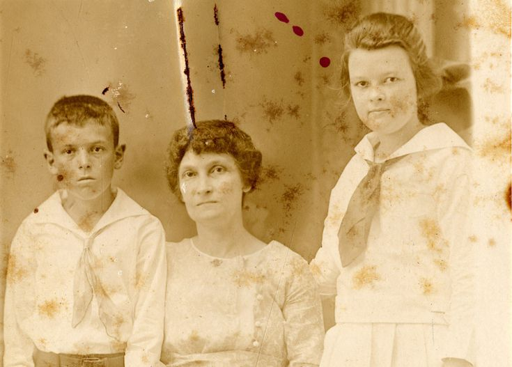 These Old Passport Applications May Hold the Missing Genealogy Info You Need