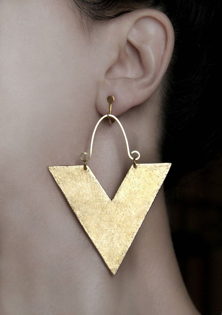 Big abstract earrings Clip on dangles Statement jewelry African screw back earring Gold large Dangling jewelry Triangle earrings Modern gift Available on Etsy! Shop here 👉 https://www.etsy.com/listing/542773765/big-abstract-earrings-clip-on-dangles?utm_campaign=crowdfire&utm_content=crowdfire&utm_medium=social&utm_source=pinterest