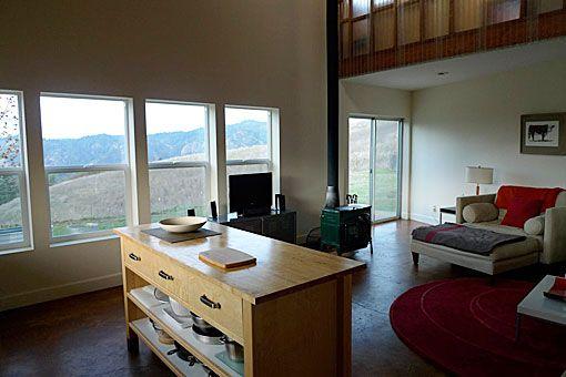 Modern Design - Vacation Rental - Longview Ranch, Ukiah, California