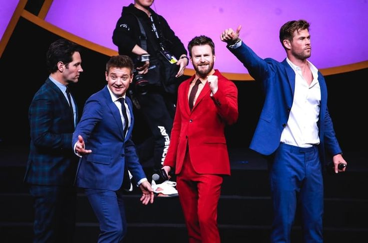 Chris Evans & Chris Hemsworth & Jeremy Renner & Paul Rudd