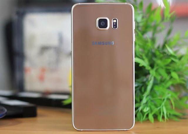 El Samsung Galaxy S7 no tendrá cambios importantes en su diseño   Parece ser que todos aquellos que estén esperando que el Samsung Galaxy S7 sea una revolución en cuanto a diseño de los topes de gama de la firma coreana van a tener que seguir esperando un poco más de tiempo. Según hemos podido saber a través de una noticia publicada en el Korea Times Samsung espera mantener el diseño del Samsung Galaxy S6 en su próxima línea de gama alta.  Esto por supuesto no significa que no vaya a haber…