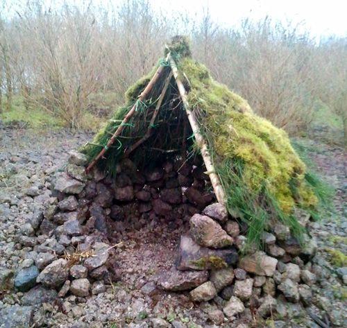 7 besten h tte bilder auf pinterest camping survival drau en spielen und garten pflanzen. Black Bedroom Furniture Sets. Home Design Ideas