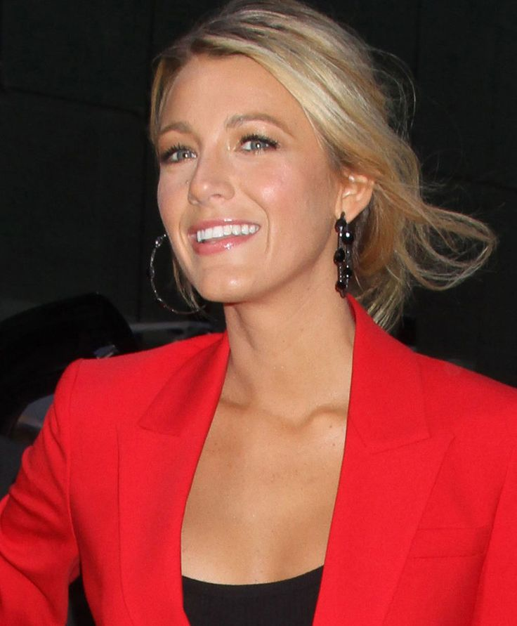 makeup for red dress green eyes - Google Search