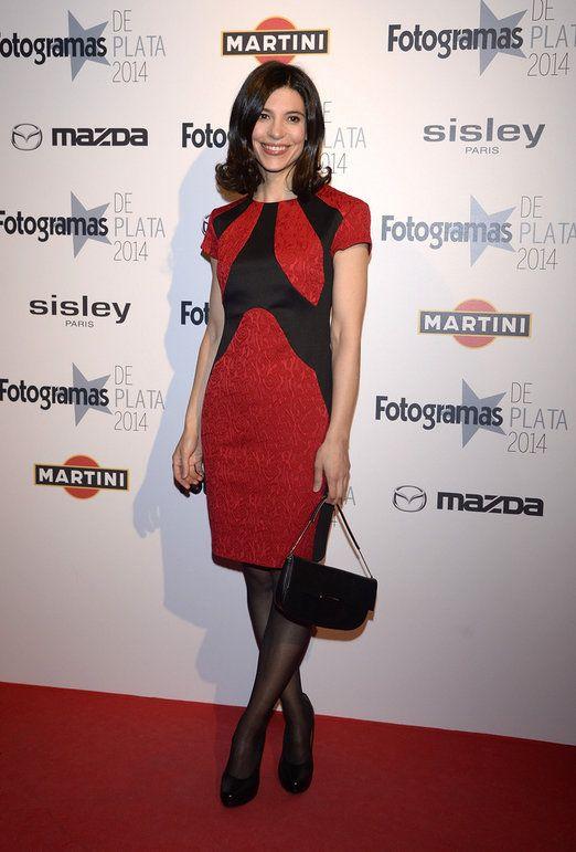 La actriz Irene Visedo con zapatos y bolso Hispanitas en los Premios Fotogramas de Plata.
