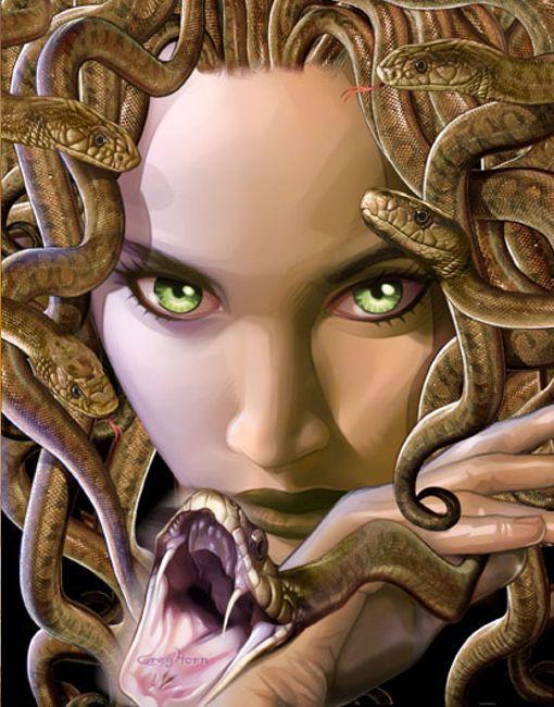 Se trata de una deidad femenina, y era considerada como una criatura protectora, al punto tal que se colocaban estatuas con su aspecto en sitios tales como templos, para evitar que se acerquen curiosos o ladrones. Esto se debe a que según la leyenda, cualquiera que intente mirar a Medusa quedará petrificado.  Mas Info: http://lostops.graatis.com/10-criaturas-mitologicas-mas-conocidas-de-todos-los-tiempos-2-parte#ixzz3cKL39S98