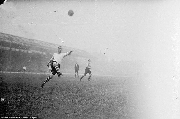Bill Shankly in action for Preston North End in 1938.