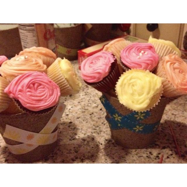 Flower pot mini cupcakes Mini cupcakes, Cake desserts