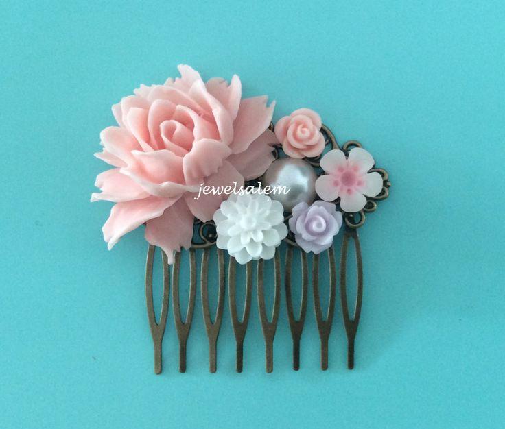 roze haar Kam pastel kleuren bruiloft haar Accessoires bloemen bruidsmeisje bloemen Bridal Hair Pin door Jewelsalem op Etsy https://www.etsy.com/nl/listing/184723864/roze-haar-kam-pastel-kleuren-bruiloft