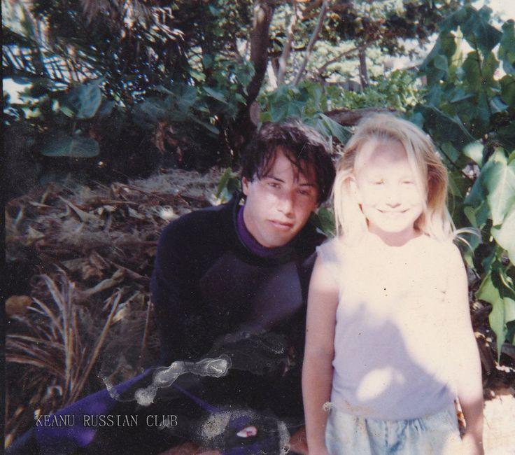 Keanu Reeves on the Northshore in Hawaii 1990 | Keanu ...