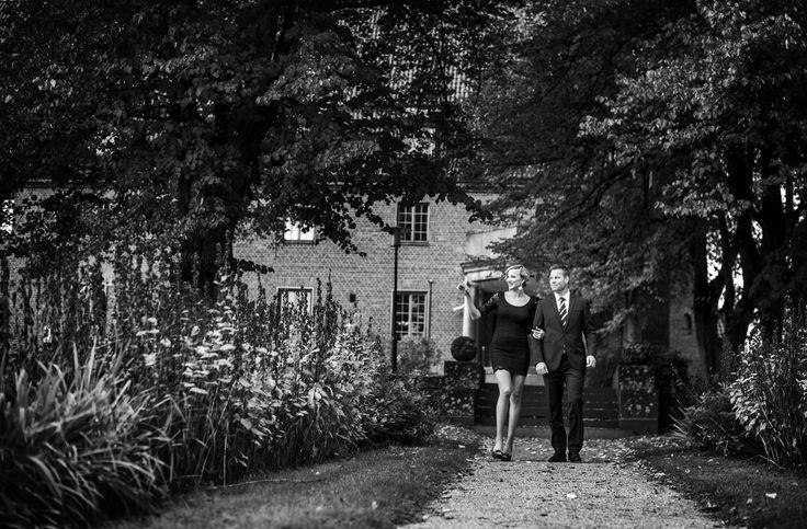 Iltakävely Vanajanlinnan puutarhassa - Evening walk in the garden of the Hotel Vanajanlinna. #vanajanlinna #romantic #castle #garden