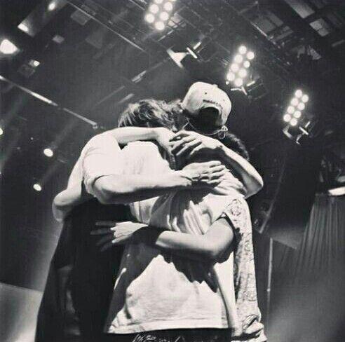 The Fooo - hugging