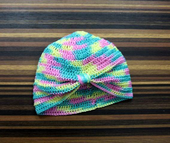 Rajutan crochet topi turban untuk bayi.Cantik dan lembut dari bahan katun import yang halus dan adem.Untuk ukuran 3-6 bulan.Bisa custom made sesuai warna dan ukuran yang diinginkan.